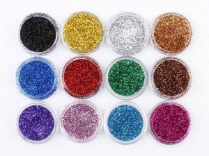 tampil glamour dengan makeup glitter powder