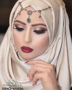 menjadi-cleopatra-dengan-gaya-makeup-arabia1