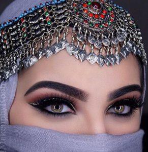 menjadi-cleopatra-dengan-gaya-makeup-arabia6